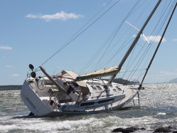 accident de bateau : voilier échoué